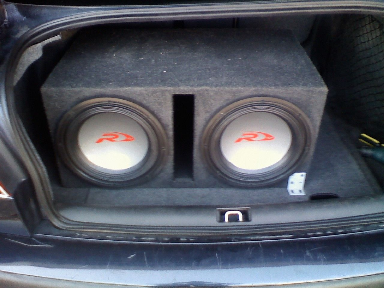 how to hook up alpine type s subs I have 2 12'' alpine type r subs at 500 rms each, 1000 watt can i hook up 2 alpine type-r 500 watt rms subs to a 1000 watt rms kicker mono amp.