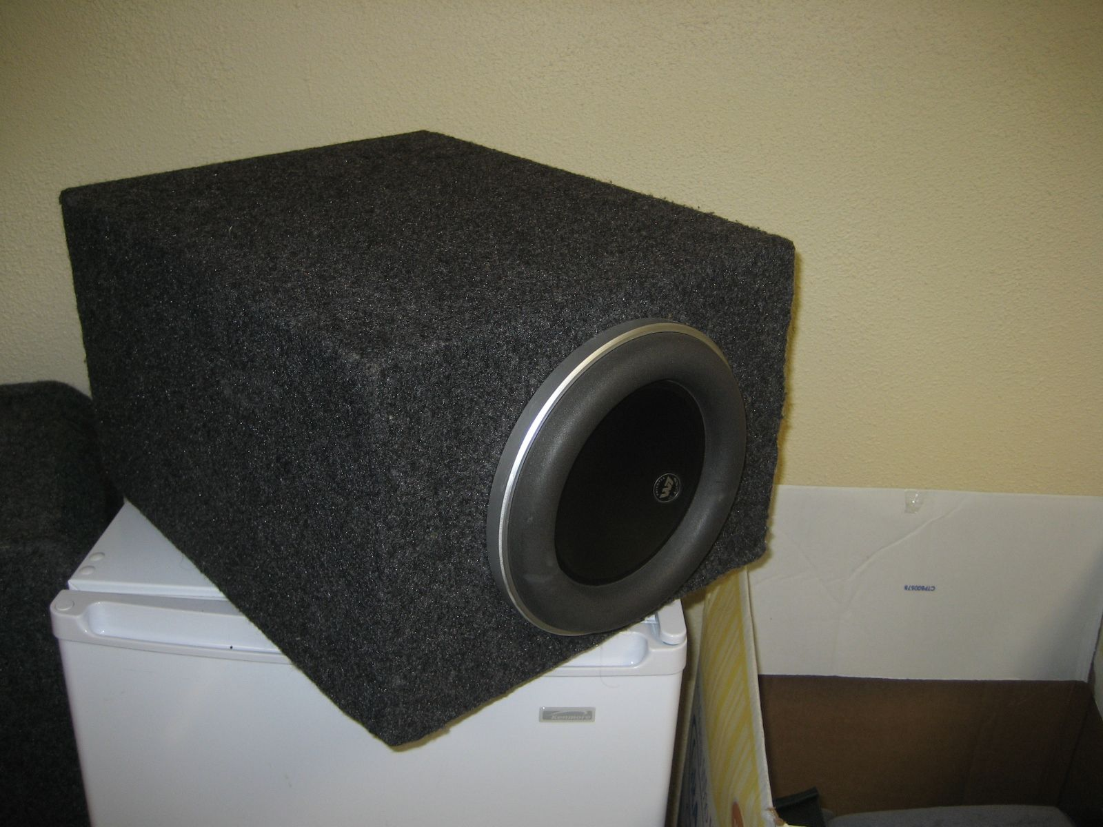 "JL Audio 8"" W7 sub subwoofer in sealed box"