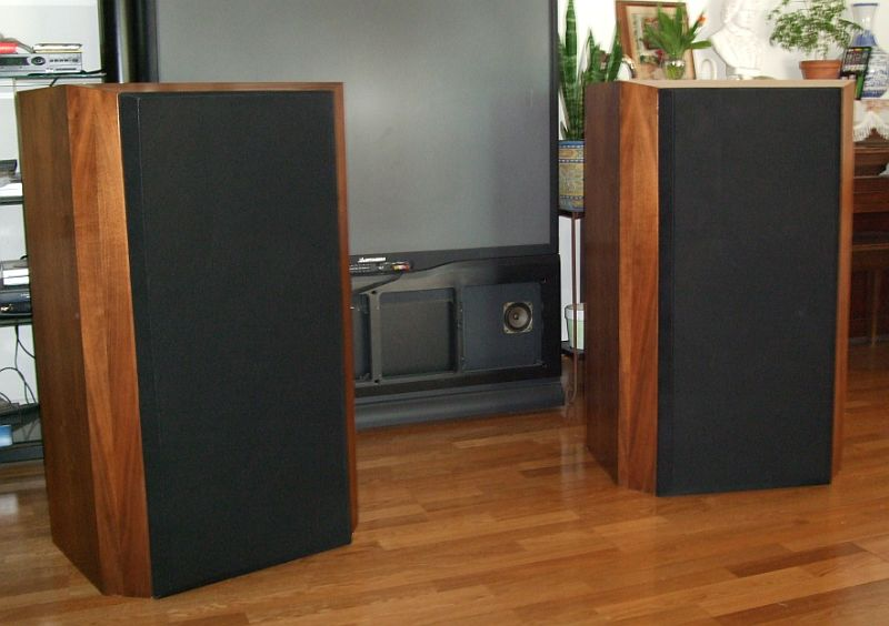 Matched Pair B Amp W B Amp W 808 Tri Wired Speakers W Stands